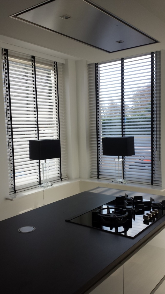 DIB Blinds Authentic wood